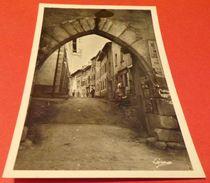 CARTE POSTALE HAUTE LOIRE : BEAUZAC, PORTAIL DES FORTIFICATIONS, ETAT VOIR PHOTO  . POUR TOUT RENSEIGNEMENT ME CONTACTER - Frankreich