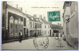 GRANDE RUE - VALENCE EN BRIE - France