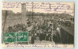 26498 - GRANVILLE - DEBARQUEMENT DES PASSAGERS DEVANT LE JERSEY - Granville