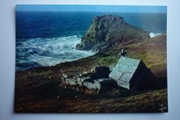 Cleden - Cap Sizun (29) La Pointe Du Van - Fontaine Saint-they Et Le Rocher De Morgan  ( La Bretagne En Couleurs ) - Cléden-Cap-Sizun