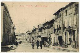 AUDE COURSAN Rare Petit Tirage Ed Azean Et Douatche L'Entrée Du Village Coursan 1915 Devanture Tabac Maréchal Ferrant - Autres Communes
