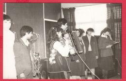 221164 / Real Photo PLEVEN - SCHOOL BOY MUSIC  Accordion GIRL Choir ,  Bulgaria Bulgarie Bulgarien Bulgarije - Personnes Anonymes