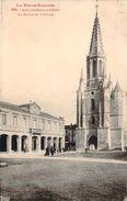 CPA Boulogne-sur-Gesse La Mairie Et L'église (animée) P744 - Other Municipalities