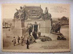 Carte Postale Belgique Bruxelles,La Tombe D'un Soldat Inconnu Belge ( Format 10.5 X 15,non Circulée) - Bauwerke, Gebäude