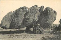 - Finistere -ref-D837- Pierre Sacree Des Druides - Guerison Femmes Steriles - Druidisme - Religions - Cmcb N° 80 - - France