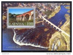 LATVIA 2002  Kuldiga Bridge Block MNH / **.  Michel Block 16 - Latvia