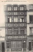 ROUEN - Maisons Avec Sculptures Anciennes - Rue D'Amiens - Rouen