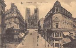 BRUXELLES - Eglise Et Rue Sainte-Gudule. - Lanen, Boulevards