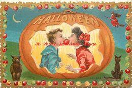 244563-Halloween, M.W. Taggart 1908 No 803-4, Boy & Girl Biting An Apple On A String Framed By Jack O Lantern, Black Cat - Halloween