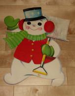 """Die Cut Decoupis - Ancienne Decoration Noel Tres Grande 41 X 33 Cm """" Bonhomme De Neige + Pelle"""" Vintage U.S.A. Cir 1960 - Noël"""