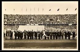 """10558 1936, Sommer-Olympiade, Amtliche Bildpostkarte """"Der Fackelstaffel-Läufer Trifft Im Stadion Ein."""", Mit Olympia-Sond - Postcards"""