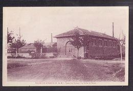 CPA 13 - SALIN-DE-GIRAUD - SALIN DE GITAUD - Quartier Solvay - La Salle De Bains - TB PLAN Bâtiment USINE INDUSTRIE - Francia