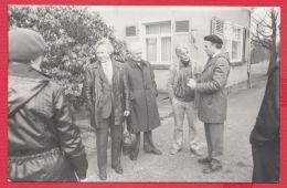 221244 / Real Photo  GROUP MEN MAN HOUSE , Bulgaria Bulgarie Bulgarien - Personnes Anonymes
