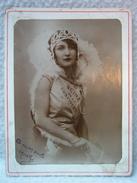 Ancienne Photo De La Miss REINE DE LA CONFISERIE Dédicacée : A Mon Oncle ... MARTHE ARSAC / Élégante Femme XIXe - Photographs