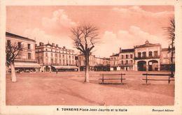 CPA Tonneins Place Jean-Jaurès Et La Halle P349 - Tonneins