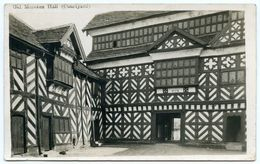 OLD MORETON HALL - COURTYARD - England