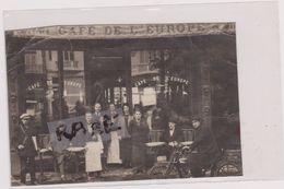 PHOTO ANCIENNE,PHOTOGRAPHIE,59,NORD,VALENCIENNES,CAFE DE L 'EUROPE,SERVEUR,CLIENTS - Lieux