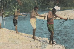 TALAMANCA INDIANS SHOOTING FISH - TRES BELLE CARTE COULEUR - 2 SCANNS -  TOP !!! - Costa Rica