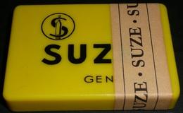 Rare Vintage Jeu De Cartes SUZE NEUF & Sa Boite Plastique Avec Bande De Garantie - 32 Cards