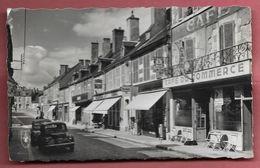 Saint-Pierre-le-Moutier - Rue De Paris  - CPM Petit Format - Saint Pierre Le Moutier