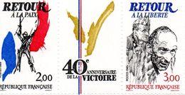 France. Paire Avec Logo 2369a. Annee 1985 Neuf**.anniversaire De La Victoire. - Neufs