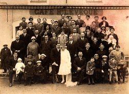 Gd Photo Originale Cartonnée Mariage & Famille Par G. Pétard à Saint-Julien-de-Concelles (44450) Sous Café H. Lévêque - Personnes Anonymes
