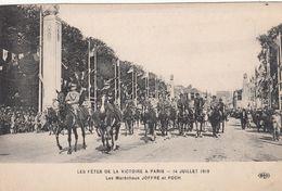 Cp , MILITARIA , Les Fêtes De La Victoire à Paris , 14 Juillet 1919, Les Maréchaux JOFFRE Et FOCH - Personnages