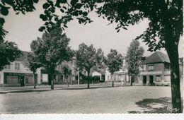 BETHISY SAINT PIERRE La Place -1961 - Bon état - Frankreich