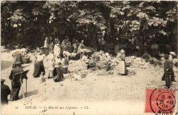 CPA DOUAI Le Marche Aux Legumes LL. 16 (a4373) - Douai