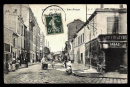CPA ANCIENNE FRANCE- PUTEAUX (92)- RUE ARAGO PAVÉE-  TRES GROS PLAN ANIMÉ- LIVREUR DE PAIN- TABAC - Puteaux