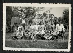 Photo Ancien / Foto / Boys / Garçons / Kasteel Van Gaasbeek / 1933 / Size: 8.70 X 6 Cm. - Personas Anónimos