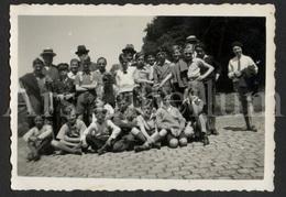 Photo Ancien / Foto / Boys / Garçons / Kasteel Van Gaasbeek / 1933 / Size: 8.50 X 6 Cm. - Personas Anónimos