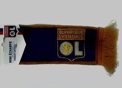 40 F - ANCIENNE MINI ECHARPE FOOT - OLYMPIQUE LYONNAIS ( ROUGE ET BLEU) - Produit Officiel - Neuve Jamais Servi - Habillement, Souvenirs & Autres