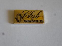 PINS AUTOMOBILE RENAULT LE CLUB DES AMBASSADEURS / Doré / 33NAT - Renault