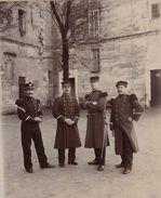 Photo Sur Carton Officier Militaire à Rochefort Saintes - Guerre, Militaire