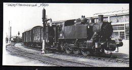 1977  --  TRAIN VAPEUR AU DEPOT DE THIONVILLE EN 1960   3N219 - Zonder Classificatie