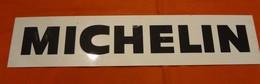 Plaque En Plastique - Michelin - Format: 32.9 X 7 Cm - Advertising (Porcelain) Signs