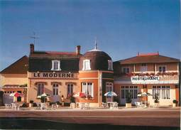 "/ CPSM FRANCE 50 ""Barfleur, Restaurant Hôtel Le Moderne"" - Barfleur"