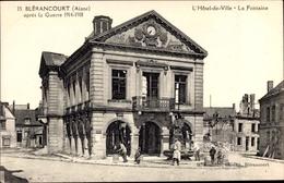 Cp Blérancourt Aisne, L'Hôtel De Ville, La Fontaine, Blick Auf Das Rathaus - France