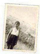 Boy Pose For Photo -223-17 - Persone Anonimi