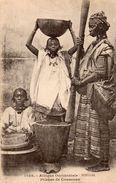 AFRIQUE OCCIDENTALE FRANCAISE SENEGAL PILEUSE DE COUSCOUS - Senegal