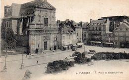 VANNES - Place De L'Hôtel De Ville - Vannes