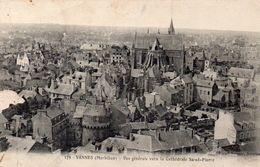 VANNES - Vue Générale Vers La Cathédrale Saint Pierre - Vannes