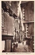 VANNES - Place Henri IV Et La Cathédrale - Vannes