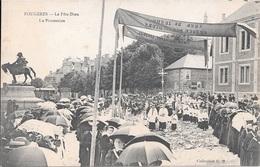 FOUGERES - La Fête-Dieu - La Procession. - Fougeres