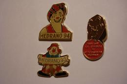20171223-1163 TROIS BEAUX PIN'S DU CIRQUE MEDRANO - Badges