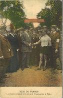 Tour De France . Le Comte Zeppelin Félicitant Trousselier à Metz - Cyclisme