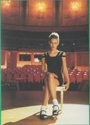 Publicité - Kookaï Printemps/Eté 1992 - Jeune Fille Sexy, Sur Scène (Mode, Pin-Up, Spectacle) - Publicité
