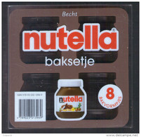 . NUTELLA  BAKSETJE . LIVRE DE RECETTES + DEUX MOULES EN SILICONE - Nutella