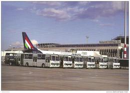 AIRPLANE AEROPLANE AIRCRAFT FERIHEGY AIRPORT BUDAPEST HUNGARIAN AIRLINES MALEV BUS AUTOBUS IKARUS Reg Volt 0160 Hungary - Bus & Autocars